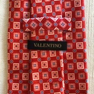 NWOT Valentino tie 100% Silk